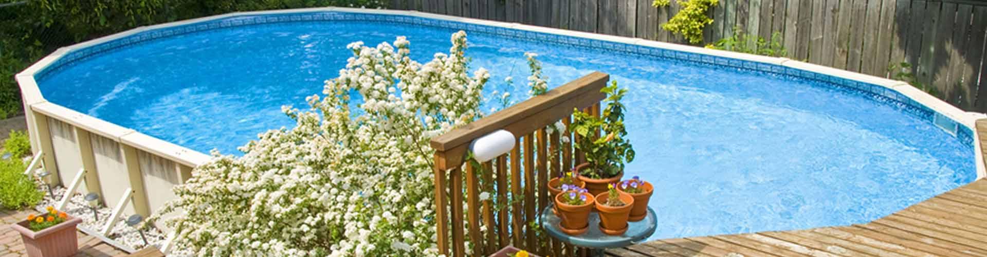Aufstellpool im Garten